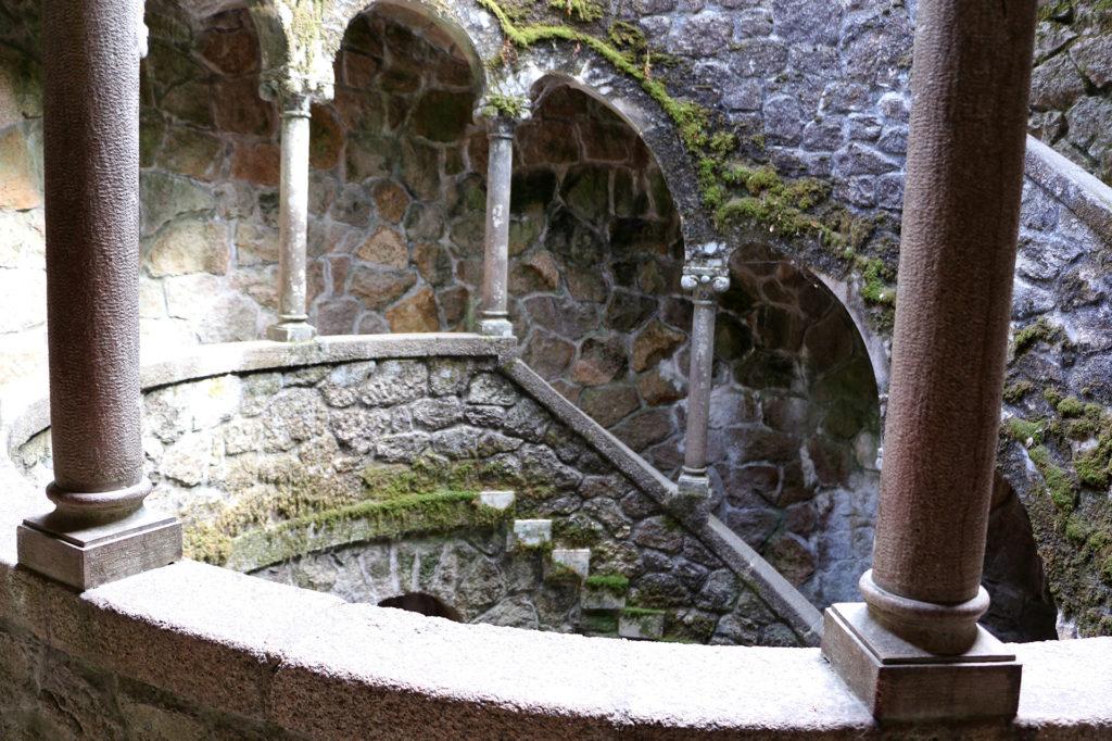 Le puit initiatique de Quinta da Regaleira à Sintra