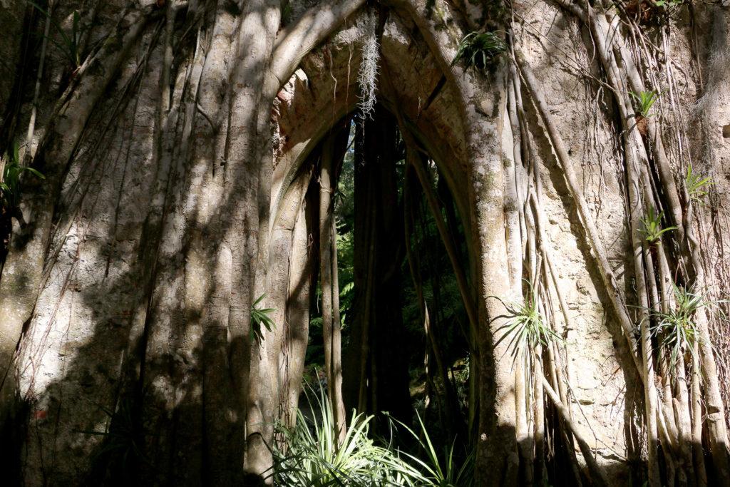 Fausses ruines d'une chapelle au Palais de Monserrate