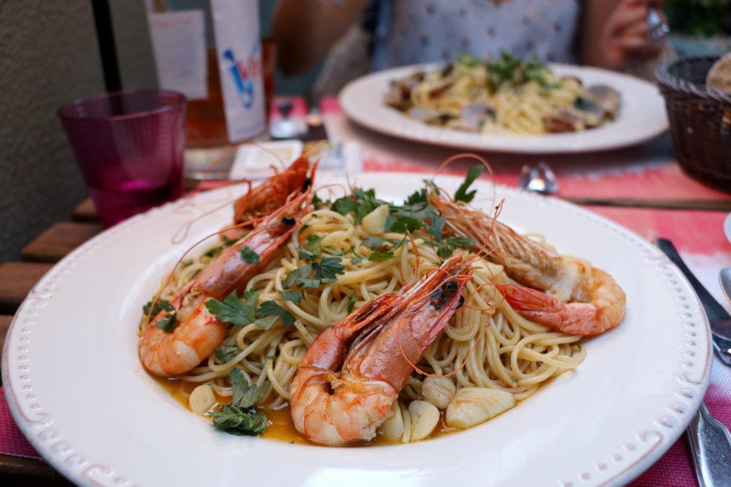 Spaghettis aux crevettes à Cascais