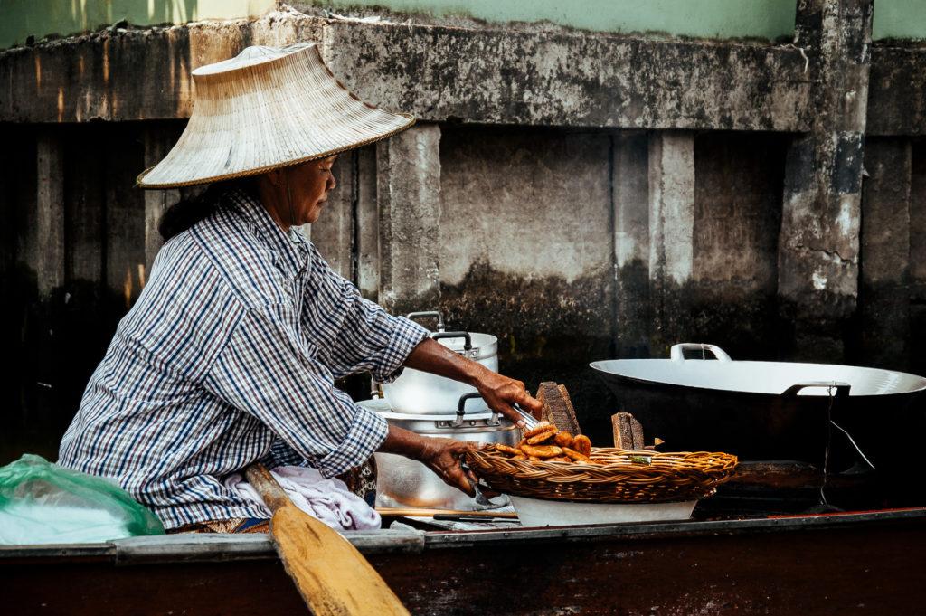 Déjeuner sur les klongs de Bangkok