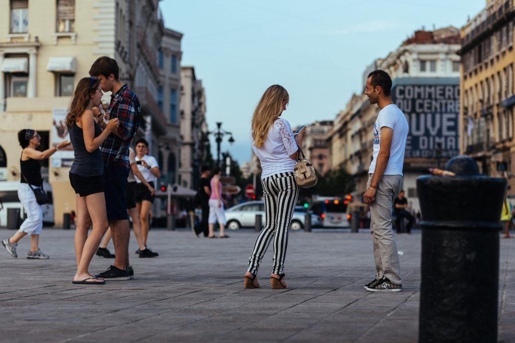 Rencontres sur le Vieux Port de Marseille