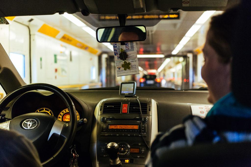 Traversée du tunnel sous la manche en voiture