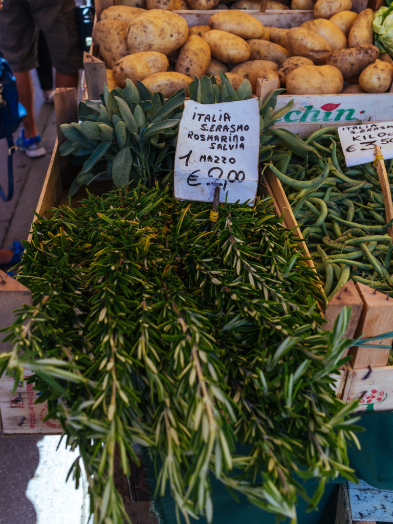 Romarin sur les marchés du Rialto, Venise