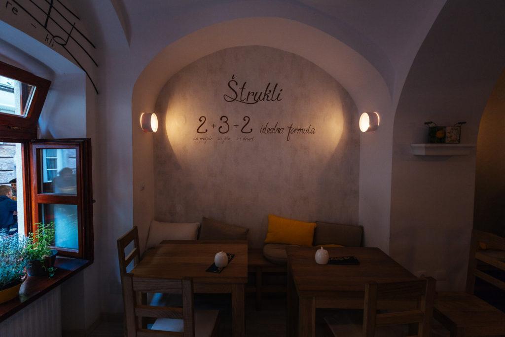 La règle du Strukli, La Struk, Zagreb
