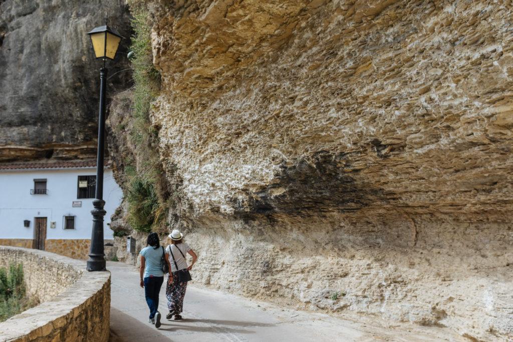 Promenade dans Setenil de las Bodegas