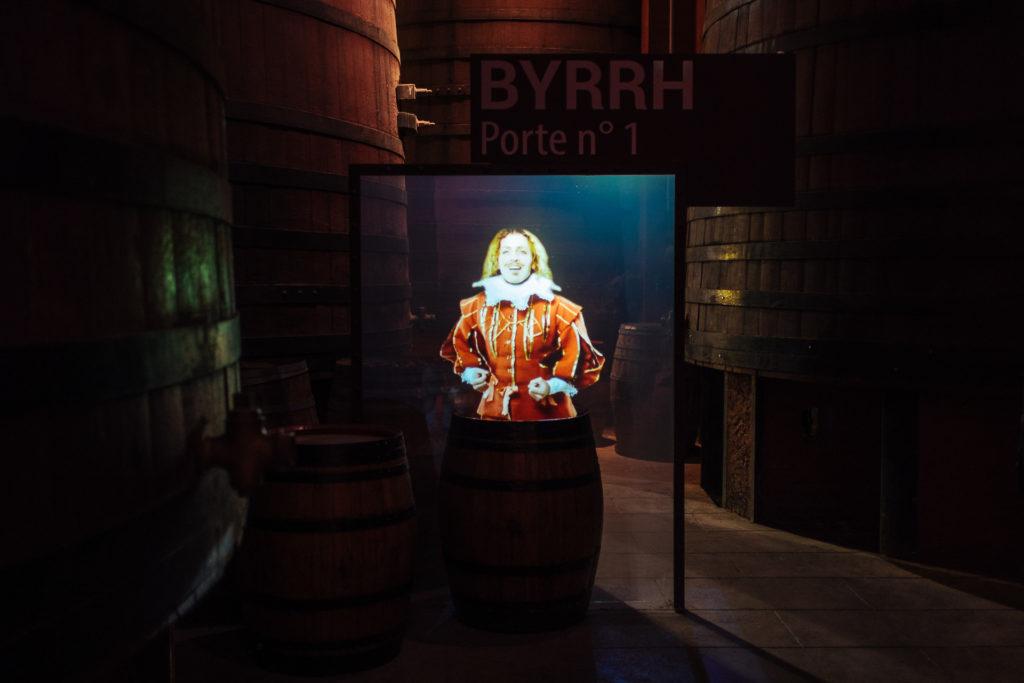 Hologramme du Chevalier Printemps dans les caves de Byrrh