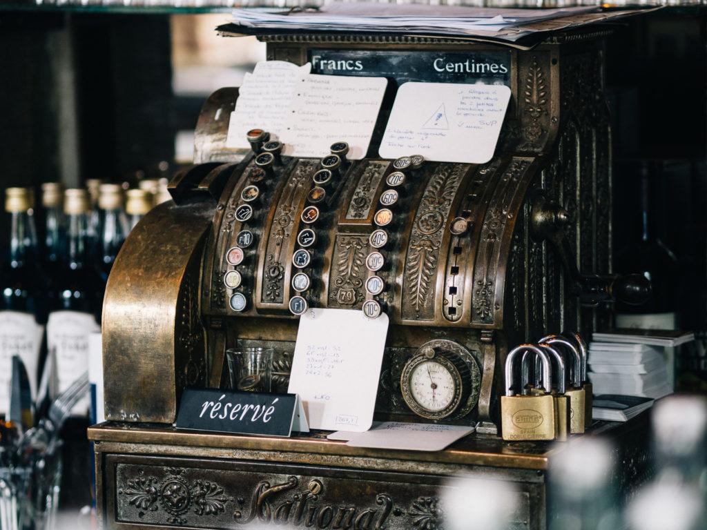 Ancienne caisse enregistreuse, Maison du Peket