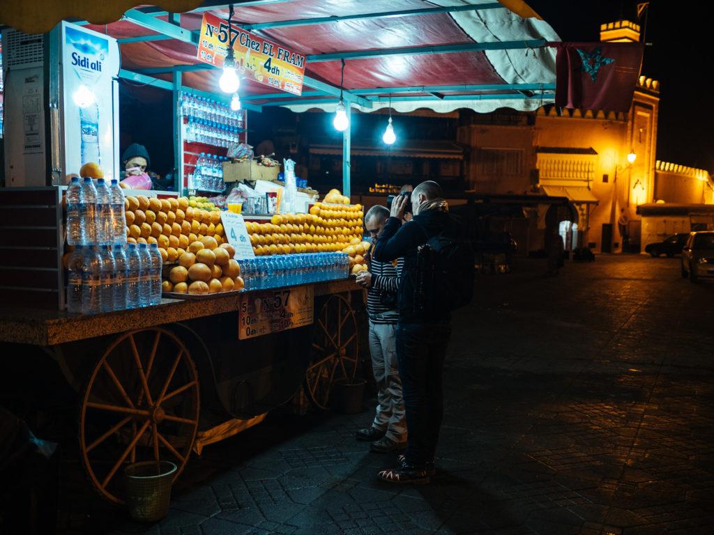 Jus de fruits pour commencer la journée, Jamma El Fna, Marrakec