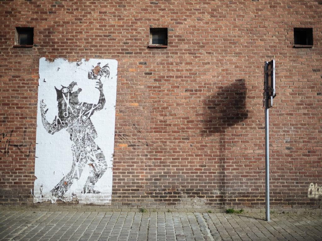 La Wallonie dans la gueule du loup, Rue Desandrouin, Charleroi