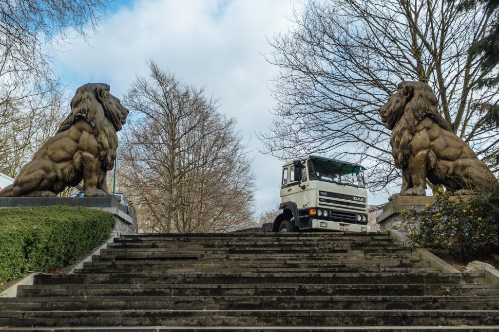 Totor et Tutur, et le camion, Charleroi