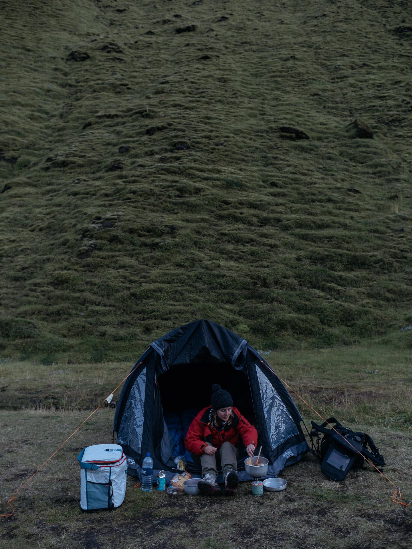 Cooking in Þakgil campsite