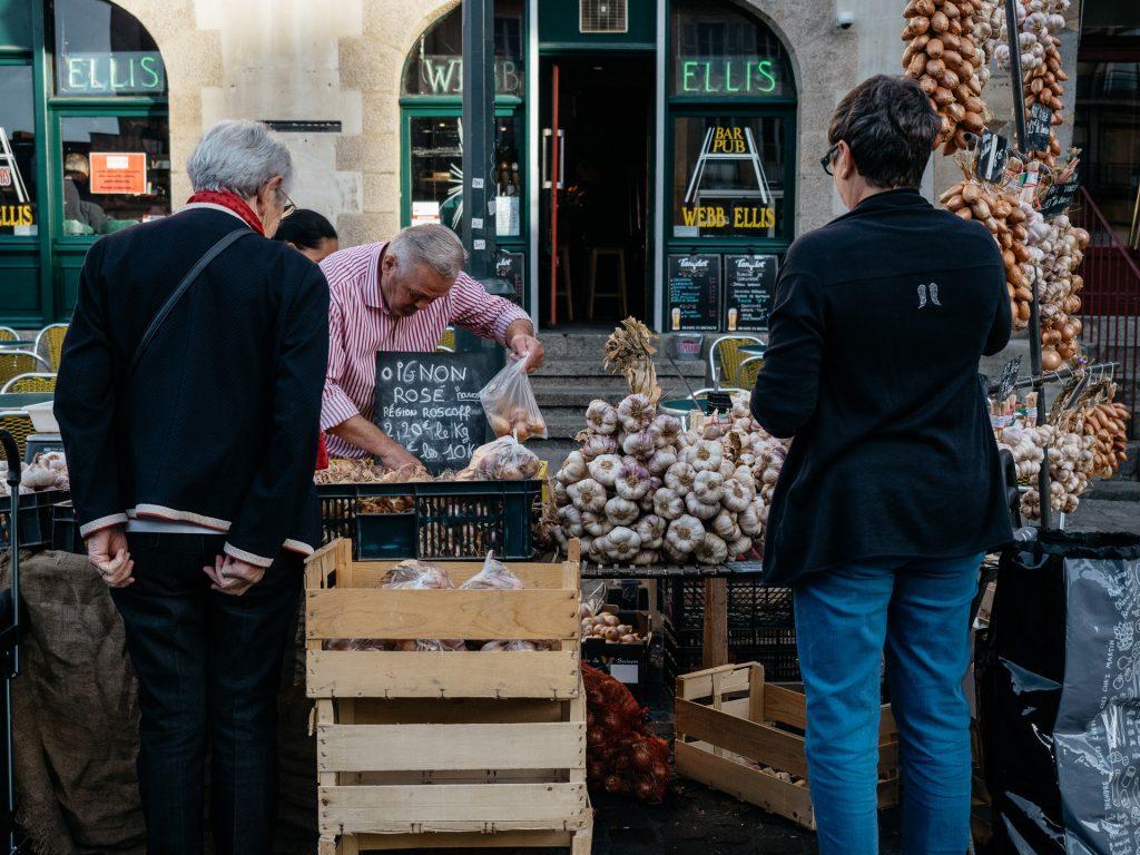 Oignon rose et ail, Marché des Lices, Rennes