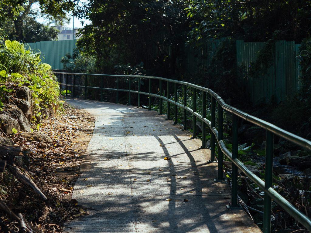 Piste cyclable qui relie Nam Shan à Sai Kung
