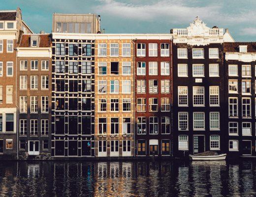Amsterdam et ses maisons immergées