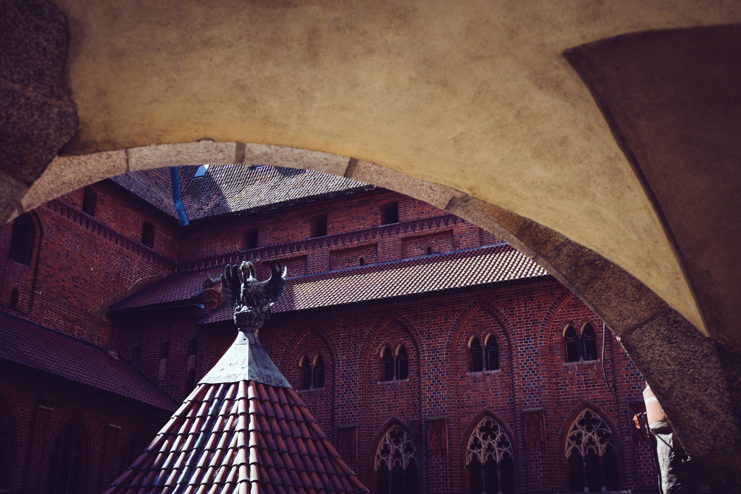 Dans la partie moyenne haute du château fortifié de Malbork