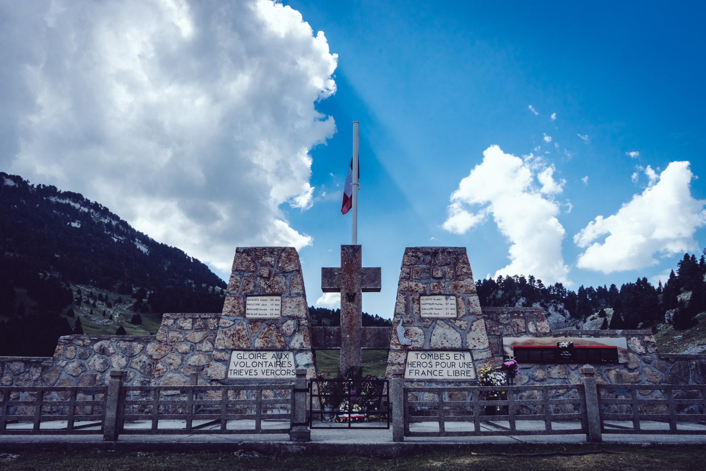 La nécropole nationale du Pas de l'Aiguille - Vercors - Chaumailloux
