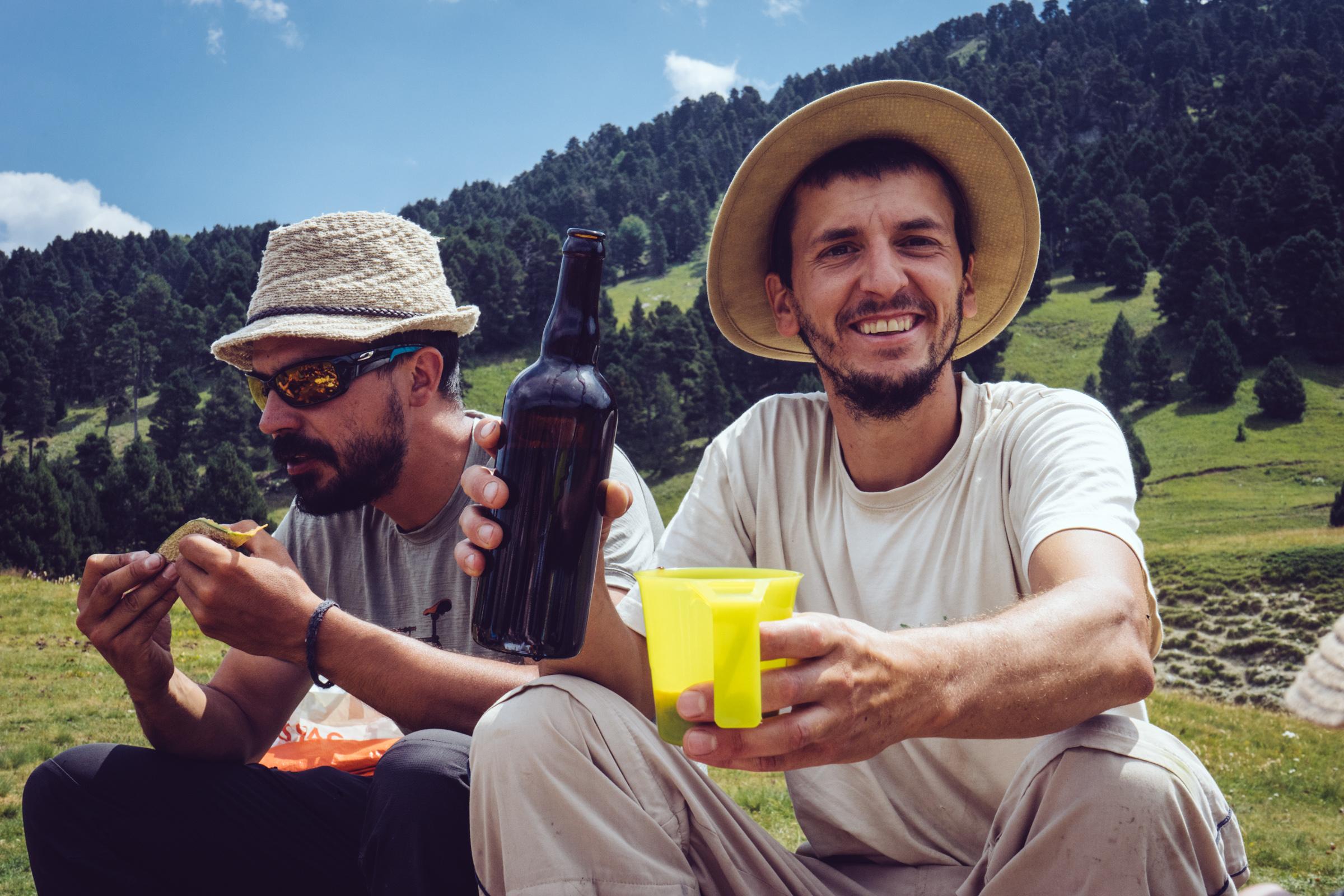 Guides de randonnée du Vercors et vin paysan