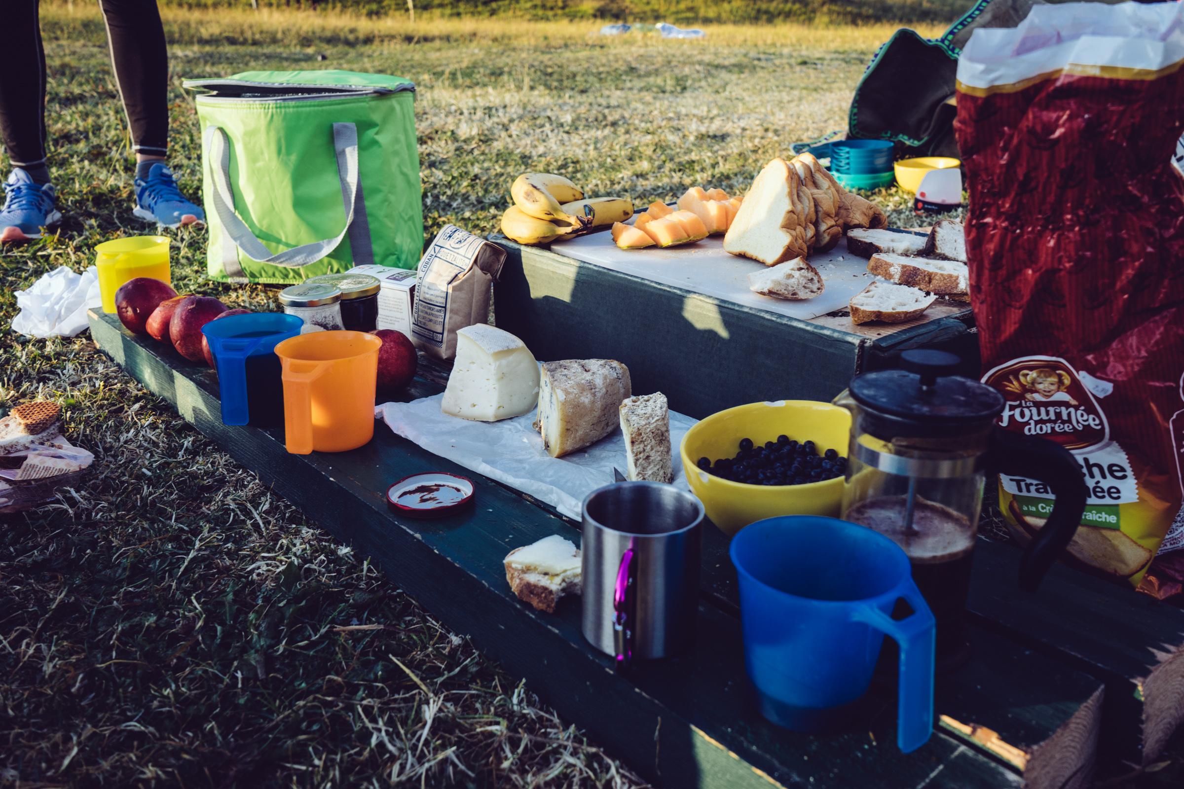 Camping - Bivouac sur les hauts plateaux du Vercors - Le petit-déjeuner