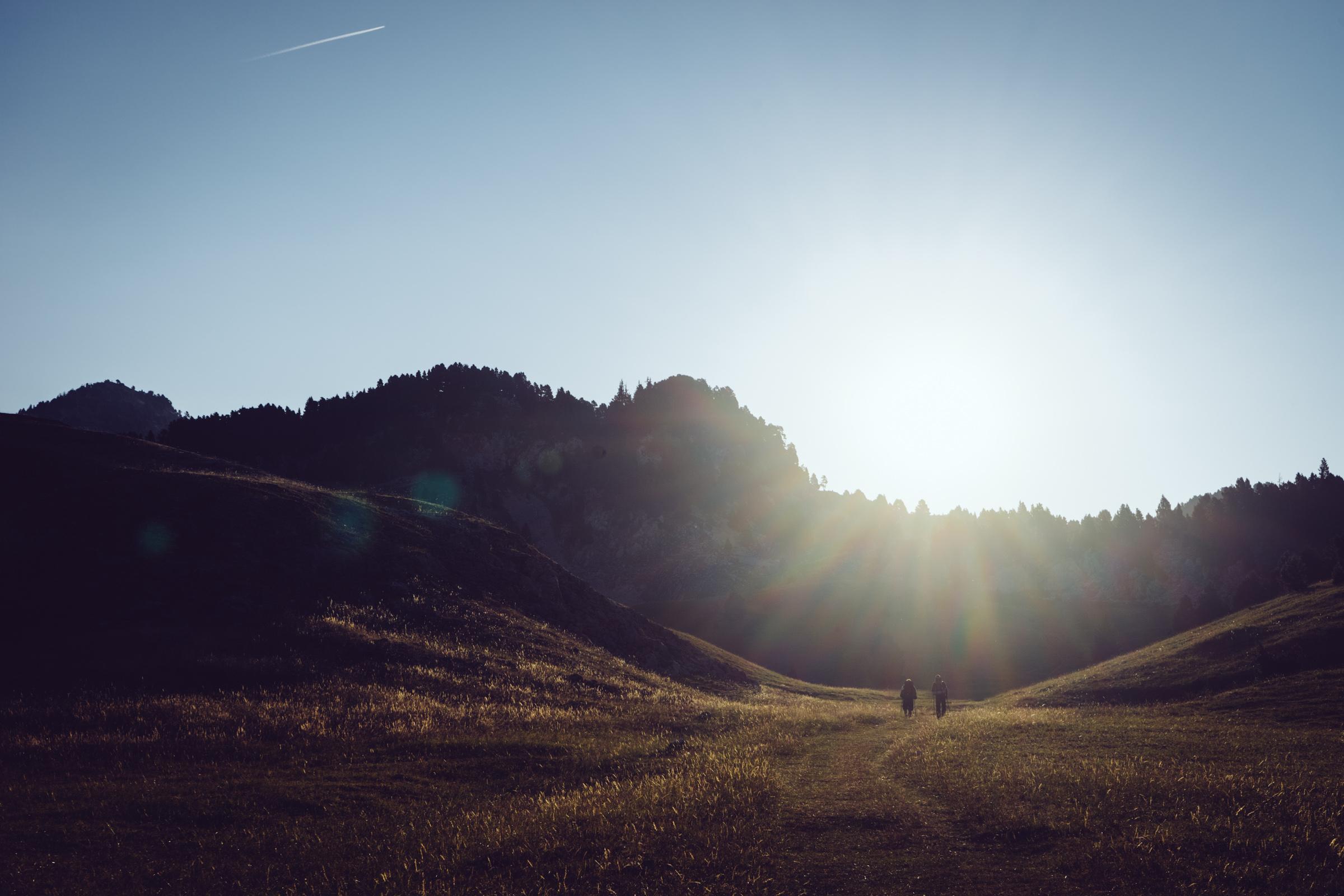 Camping - Bivouac sur les hauts plateaux du Vercors - au levé du soleil