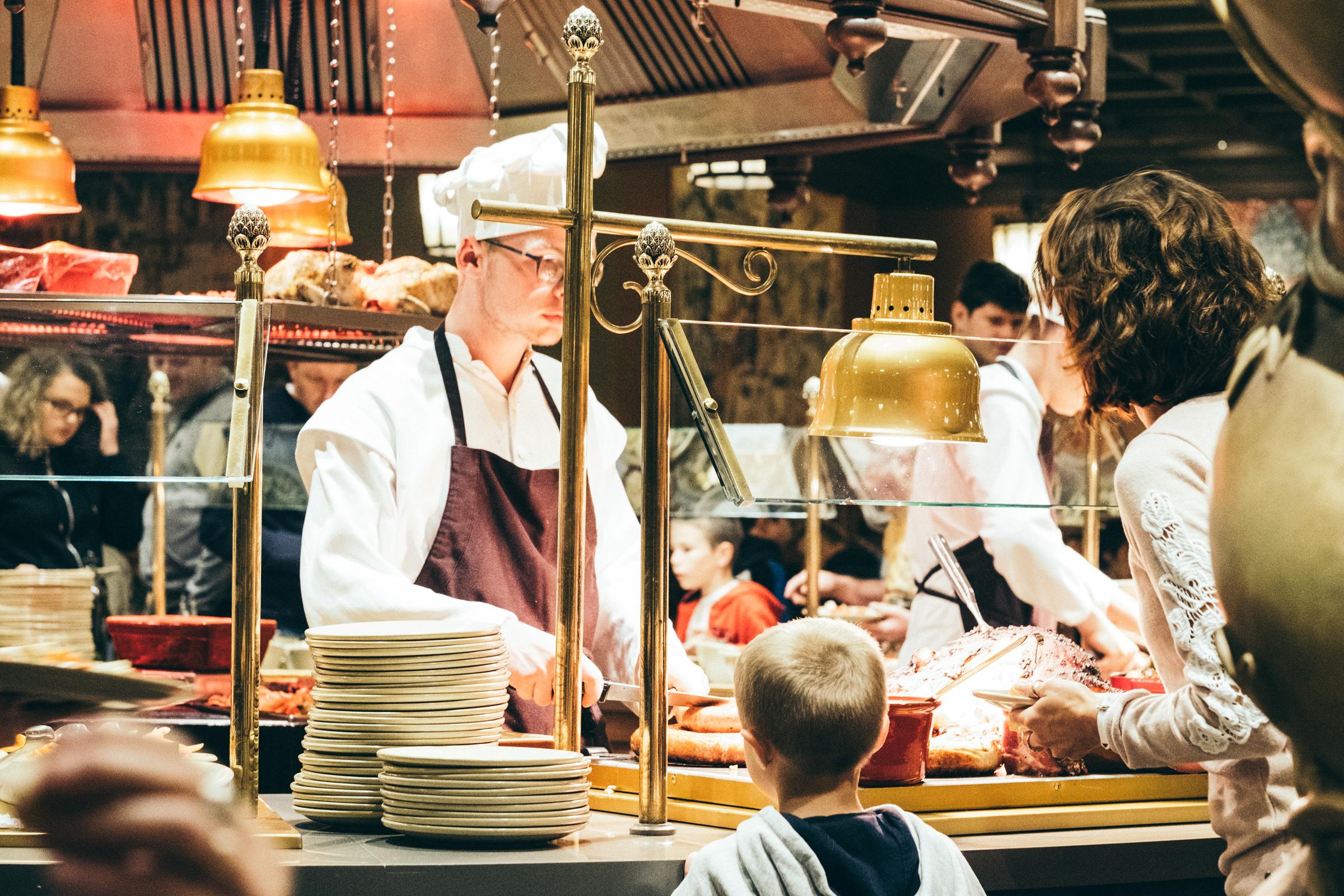 Puy du Fou - France - Restaurant - Les deux couronnes